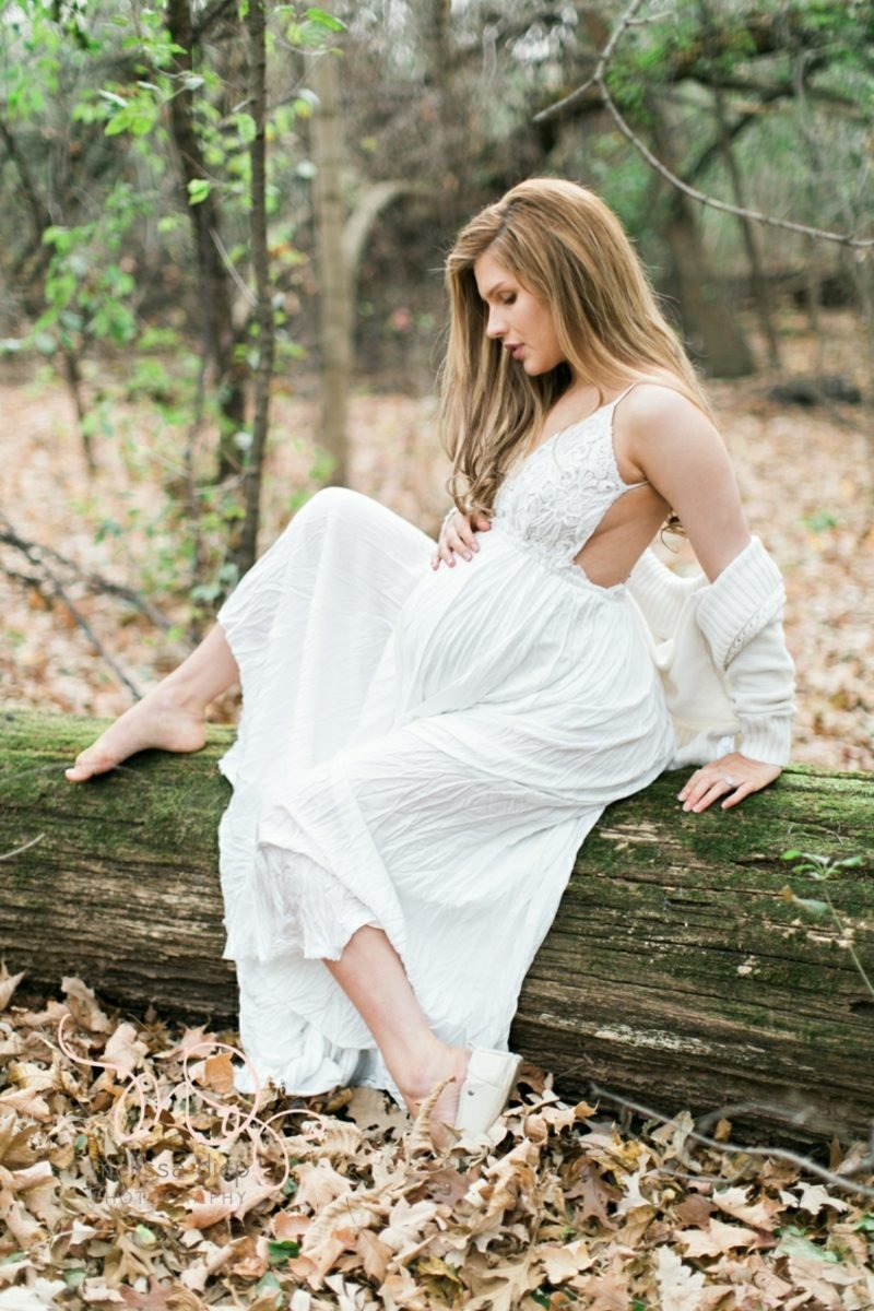 Schwangerschaftsfotos aufnehmen Wald