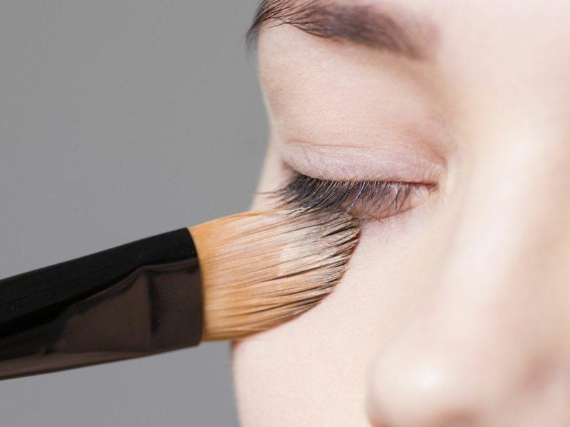 nicht komedogenes Make up Foundation Augenringe vertuschen