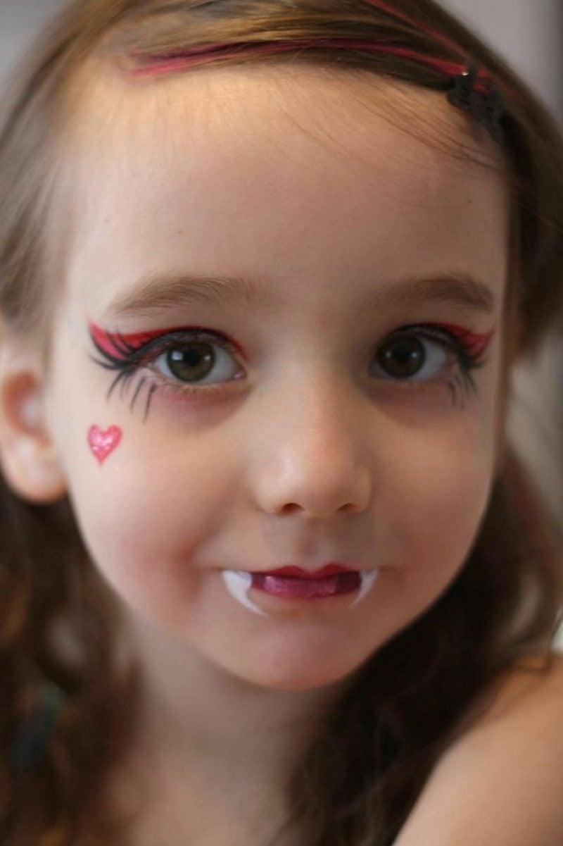 Halloween Schminken Kinder einfach Vampir