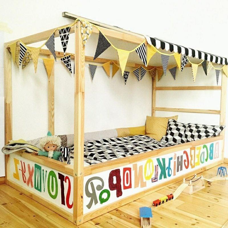 IKEA Kinderbett verzieren Tapeten Girlande