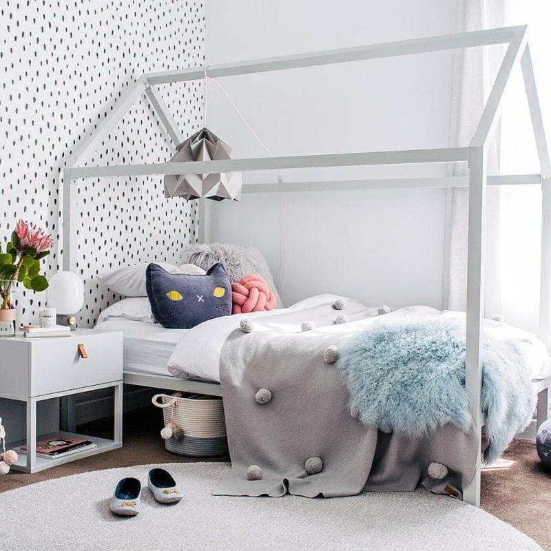 IKEA Kinderbett Haus Satteldach hellgrau