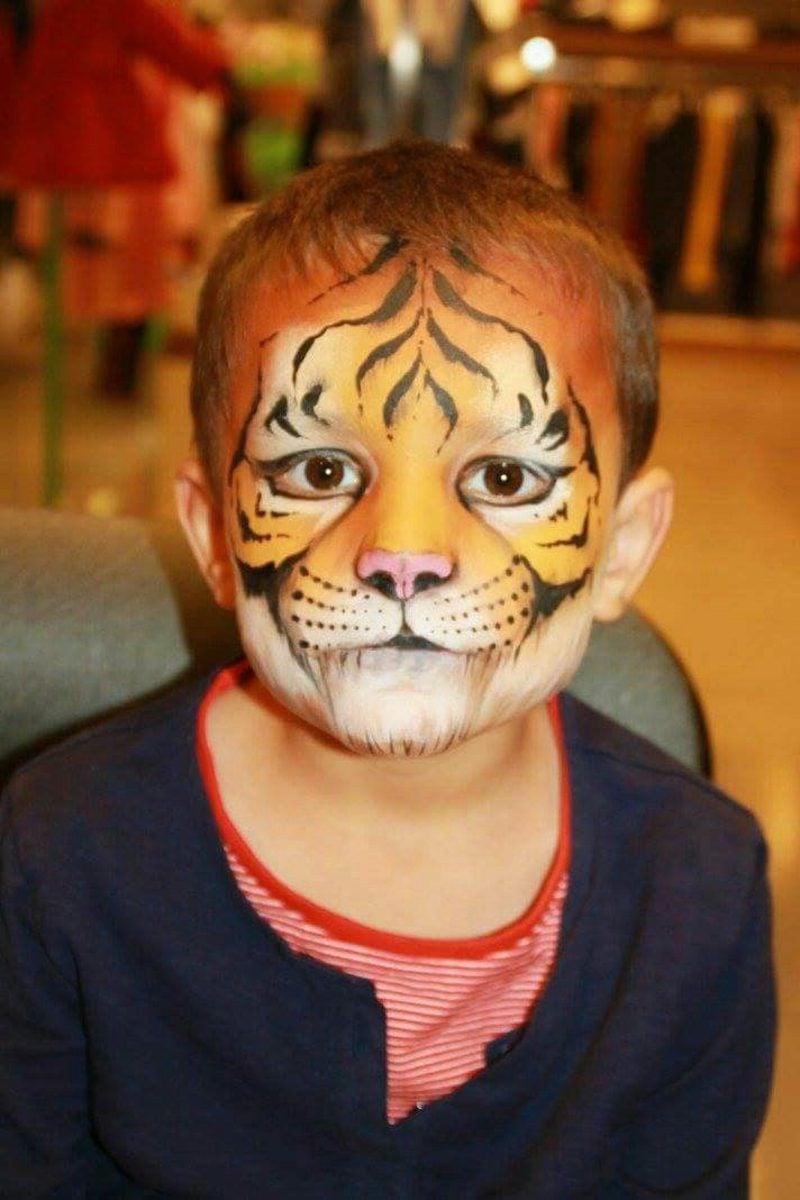 Halloween Schminken Kinder Tiger eindrucksvoll Anleitung