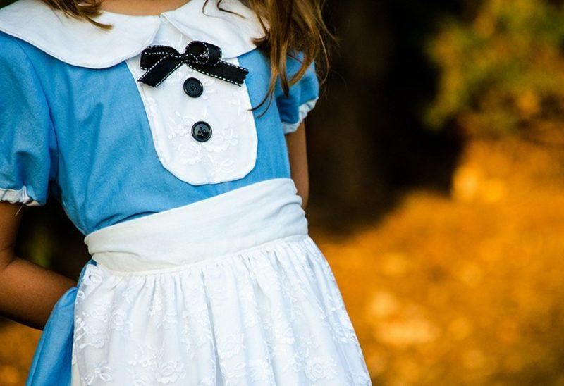 Alice im Wunderland Kostüm weisse Schürze