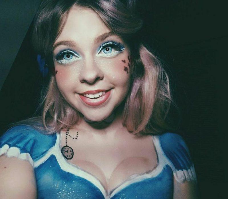 Alice im Wunderland Kostüm Schminktipps