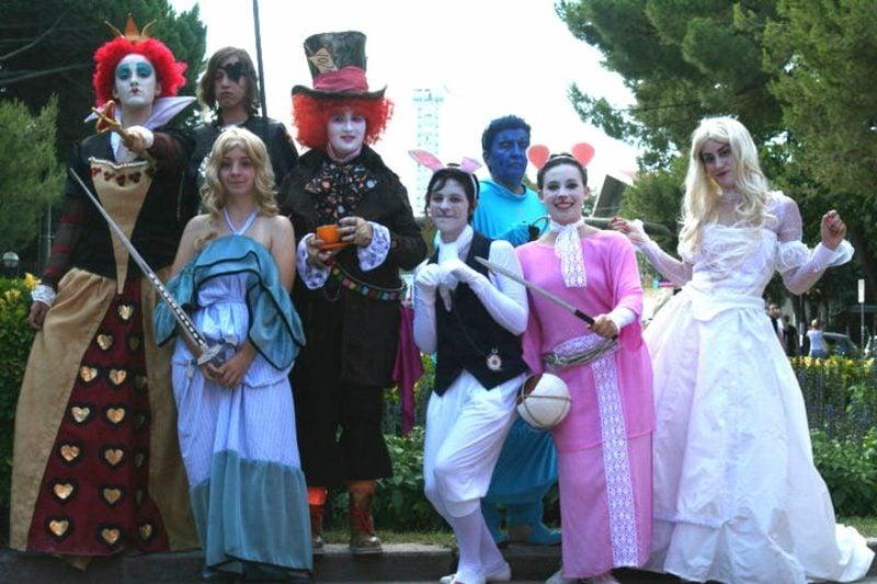 Alice im Wunderland Kostüm toller Gruppenlook