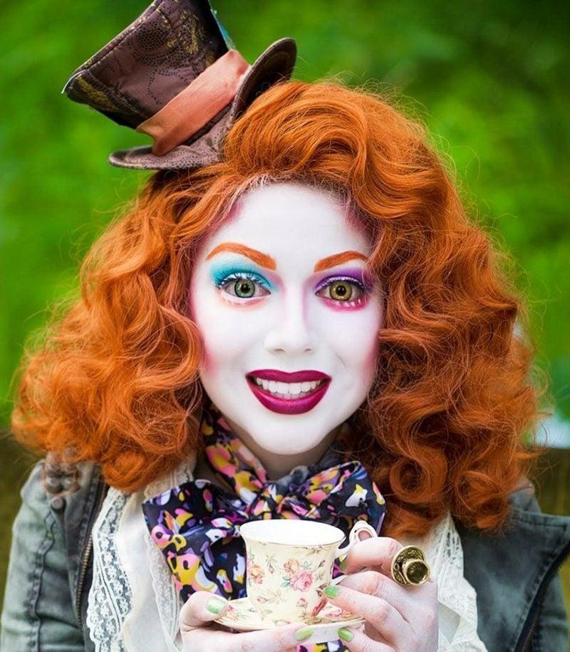 Alice im Wunderland Kostüm Hutmacher Make up Frau
