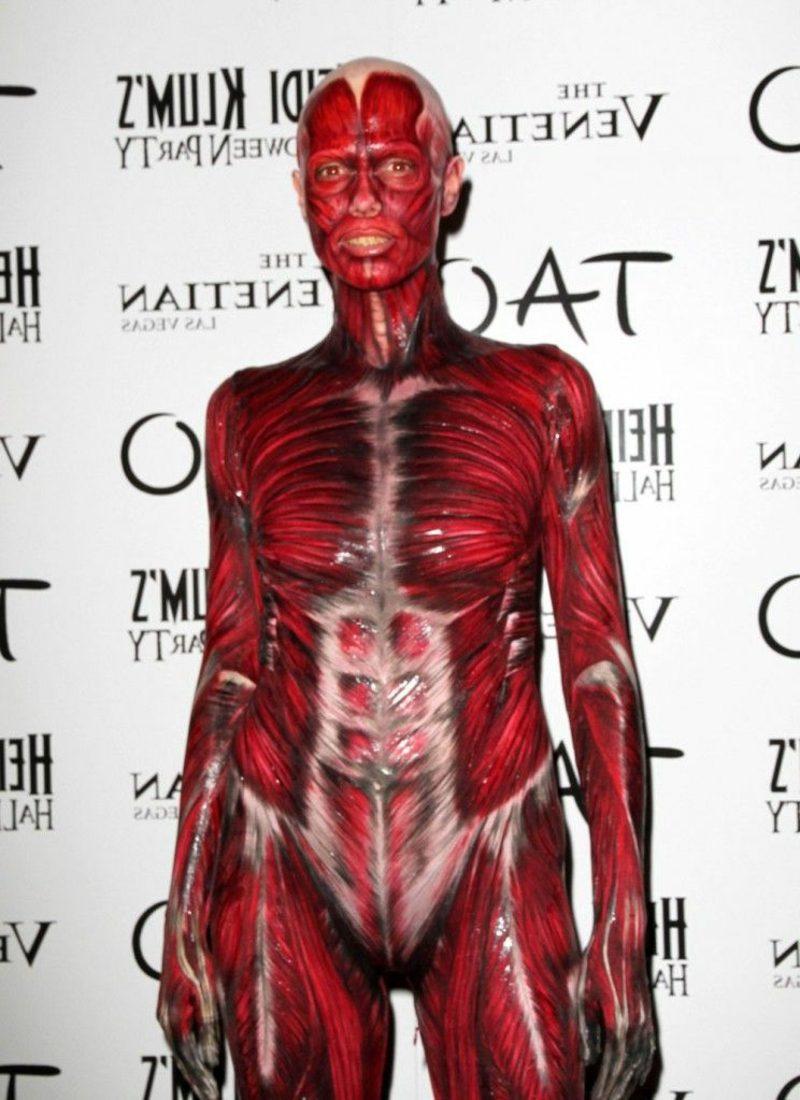 Halloween Kostüm Heidi Klum Körper ohne Haut