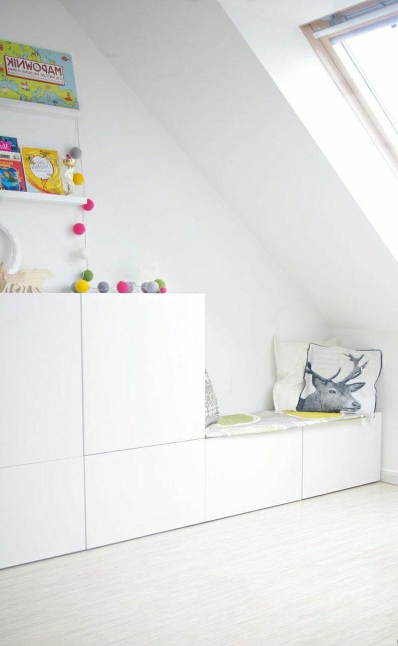 Kuschelecke Kinderzimmer Schrank praktische Sitzbank