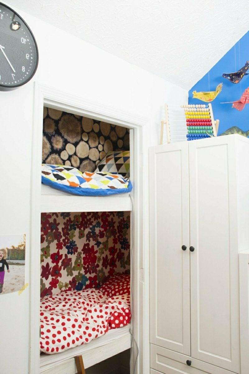 Kuschelecke Kinderzimmer Wandschrank umgestalten praktisch