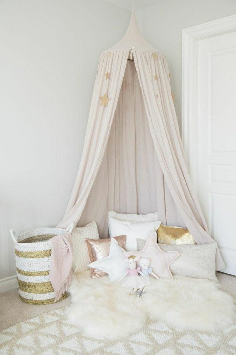 Kuschelecke Kinderzimmer Himmelsbett romantisch Mädchen