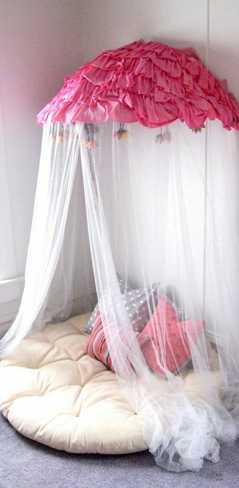 Kuschelecke Kinderzimmer romantisch Himmelsbett