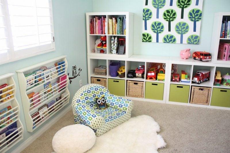Kuschelecke Kinderzimmer Sessel bequem Regale