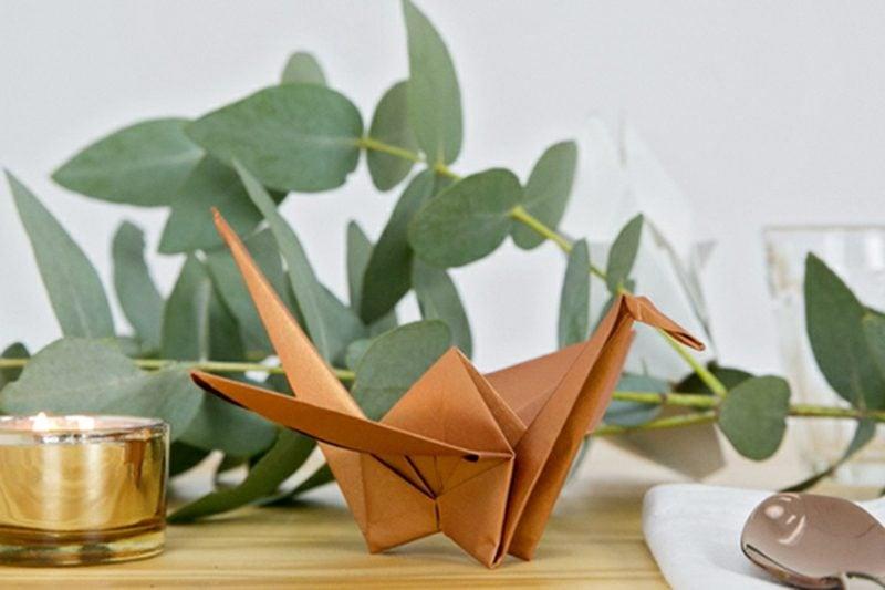 Bastelideen für Erwachsene Origami Kranich falten Anleitung