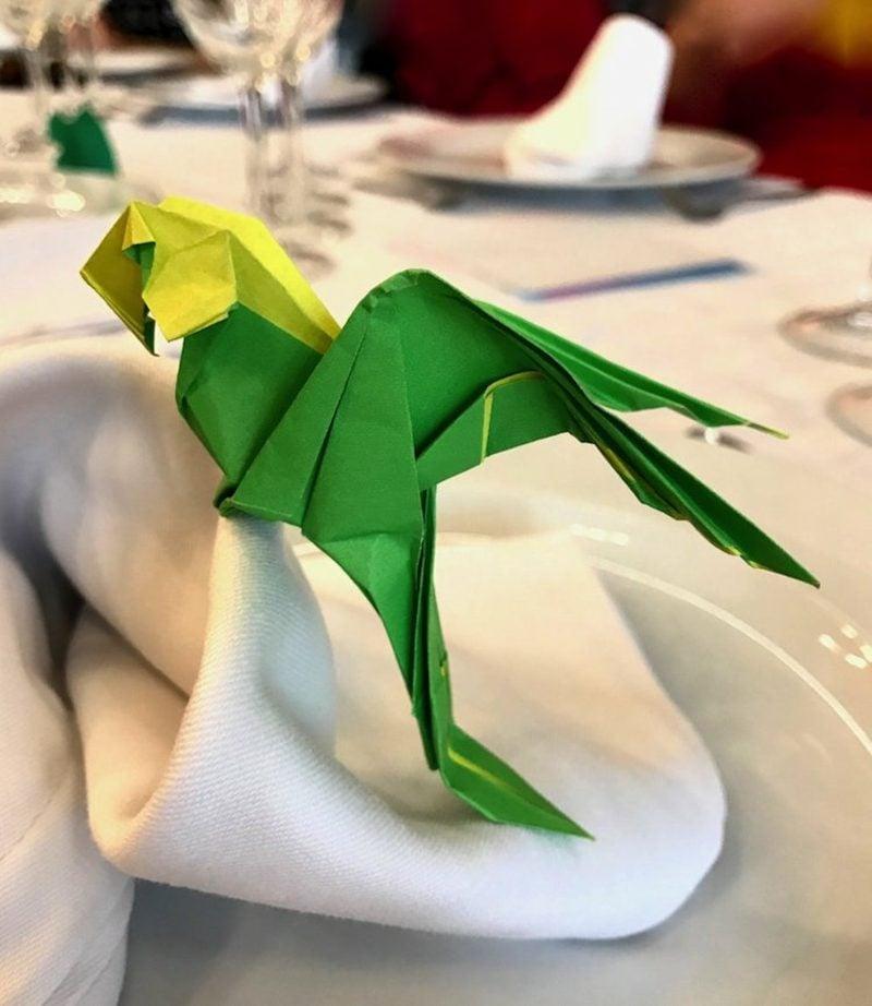 Bastelideen für Erwachsene Origami Papagei herrlicher Look