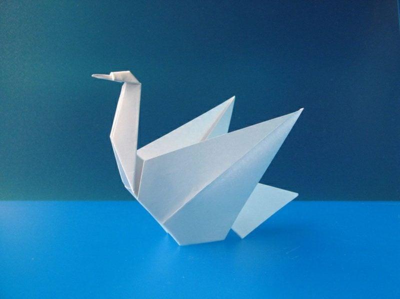 Bastelideen für Erwachsene Origami Schwan DIY