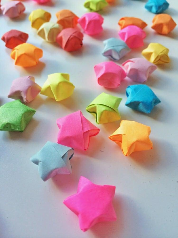 Sterne basteln Origami herrlicher Look