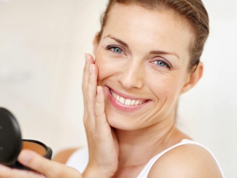 nicht komedogenes Make up hilfreiche Tipps das Gesicht reinigen