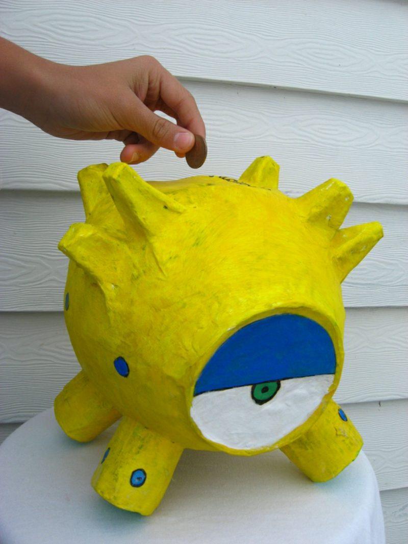Spardose basteln Monster aus Pappmache