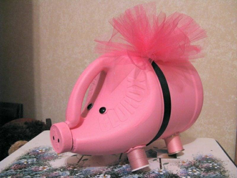 Spardose basteln Schweinchen leere Waschmittelverpackung