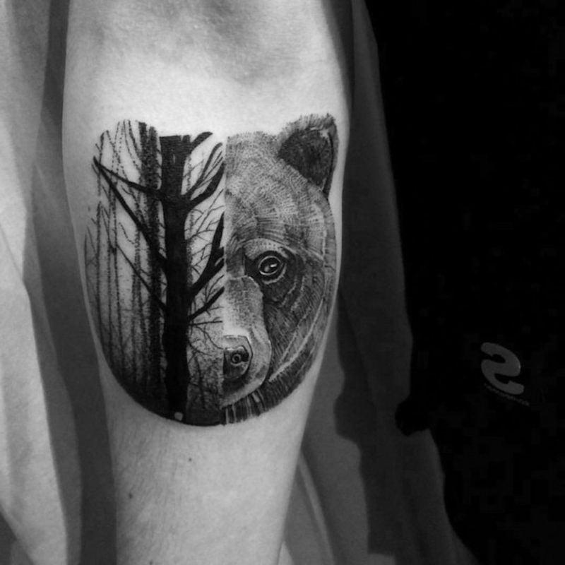 Wald Tattoo Vordergrund Bär