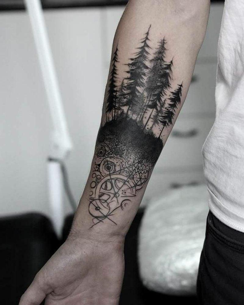 Wald Tattoo Unterarm Kompass