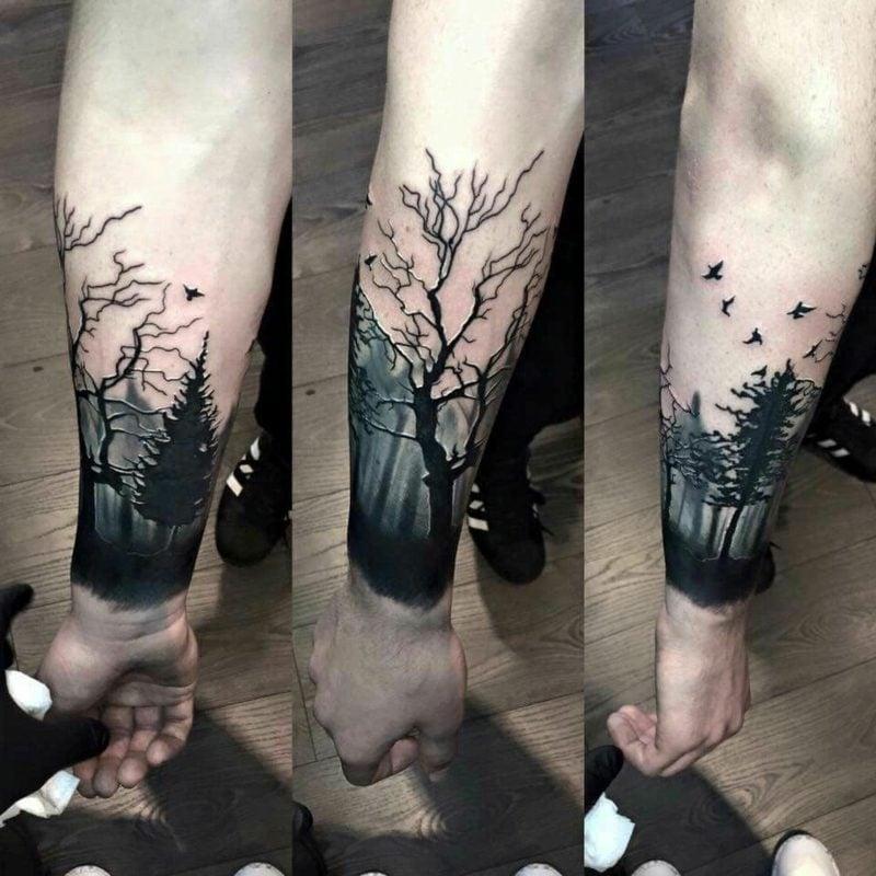Wald Tattoo kunstvoll Mann
