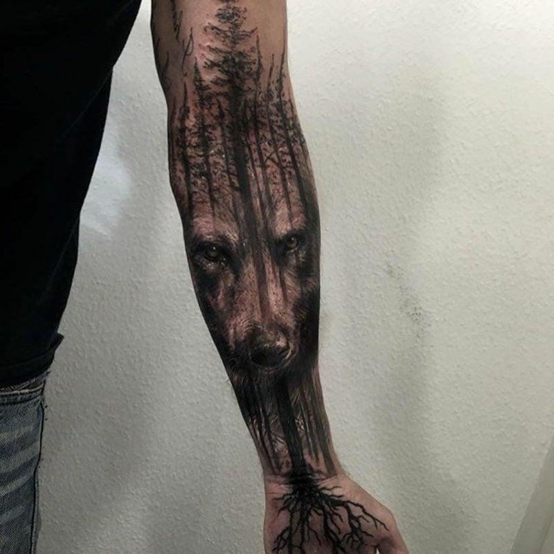 Wald Tattoo Wolf Vordergrund