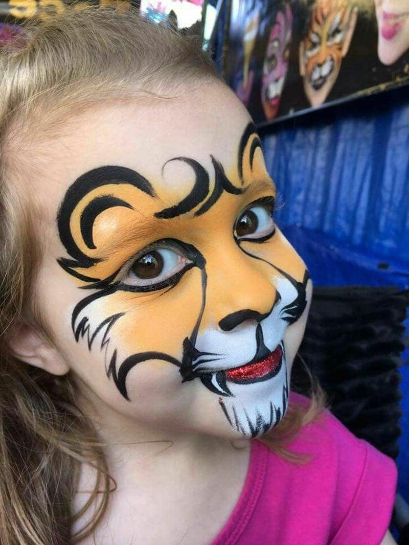 Halloween Schminken Kinder Tiger kleines Mädchen