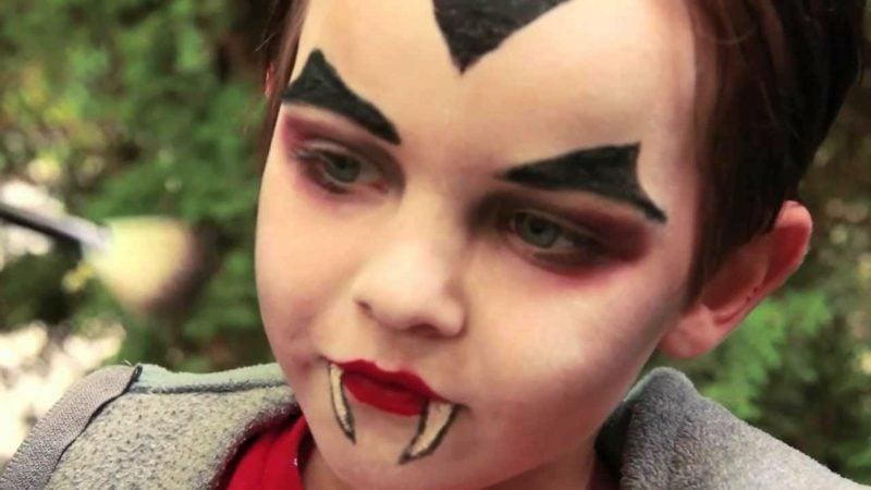 Halloween Schminken Kinder Junge Vampir