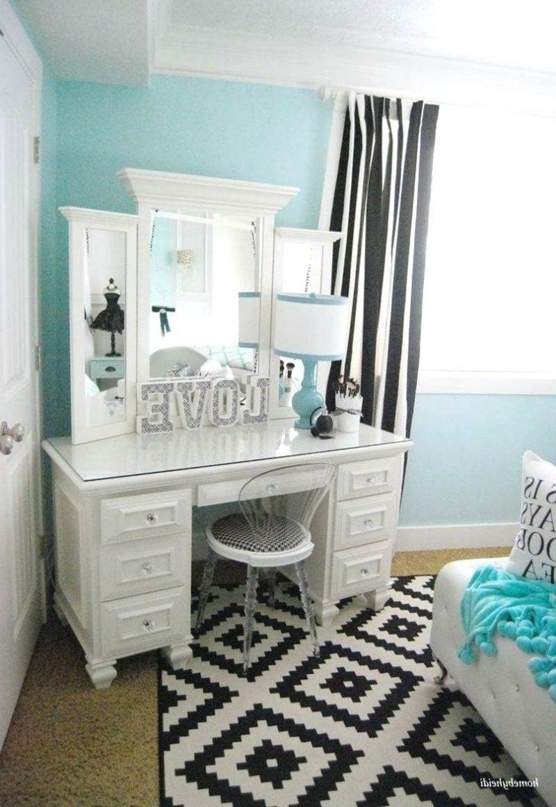 Teenager Zimmer einrichten Mädchen Pastellblau Spiegel