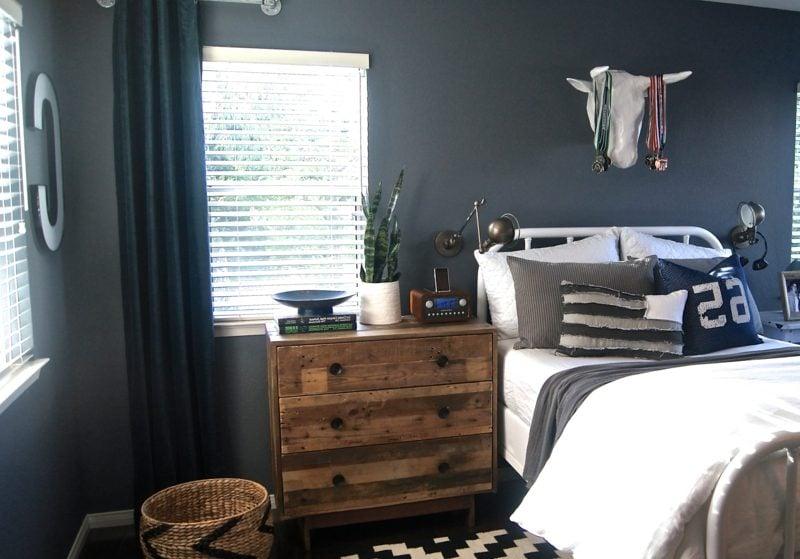 Teenager Zimmer einrichten Kommode dunkle Wandfarbe