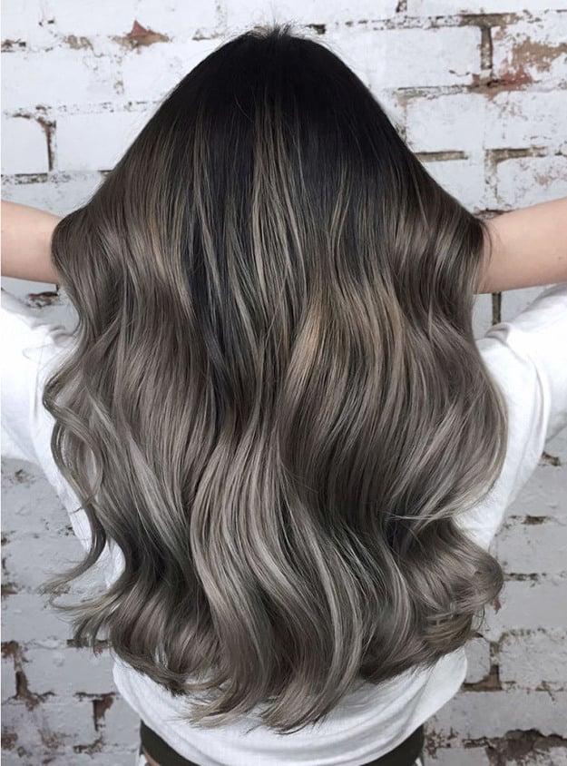 Haarfarbe Grün, Silber oder Blau ist angesagt für 2018