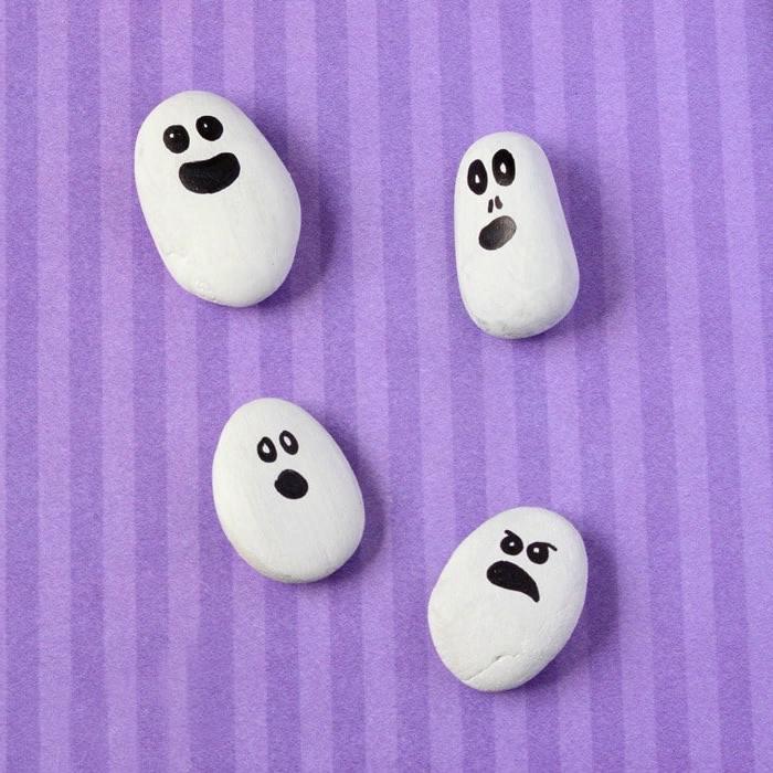 Halloween Basteln Ideen für Kleinkinder: Geister selber machen