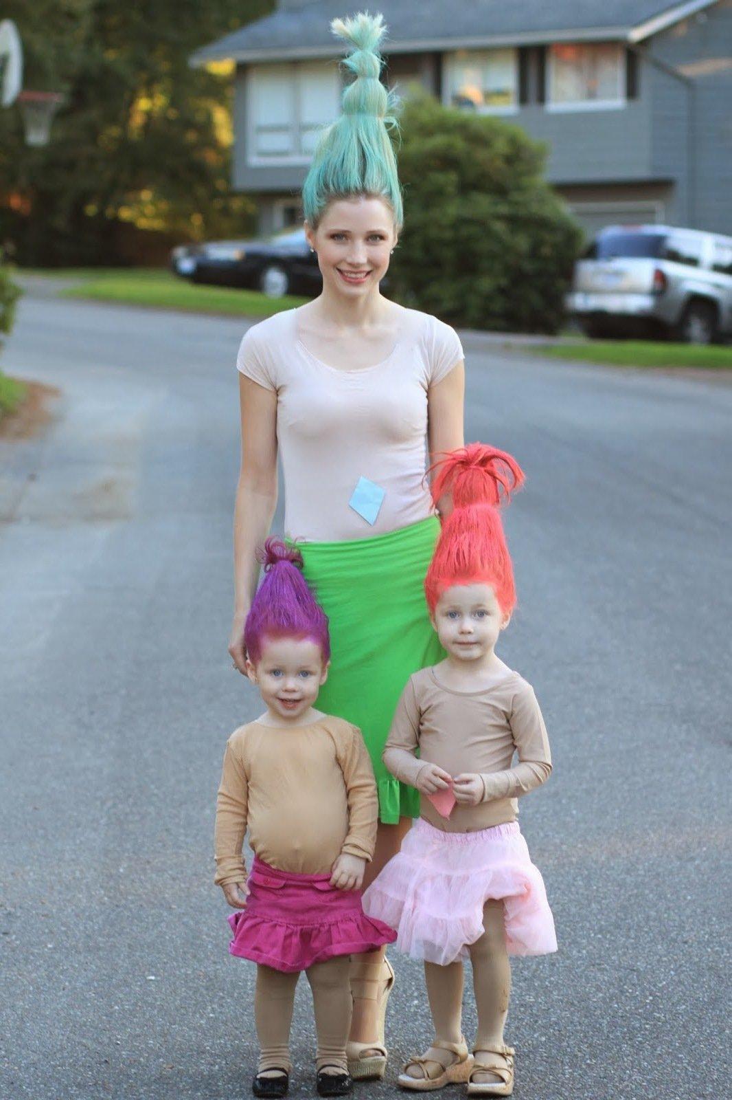 Halloween Kostüm Ideen: Die immer gutgelaunten Trolle feiern Halloween