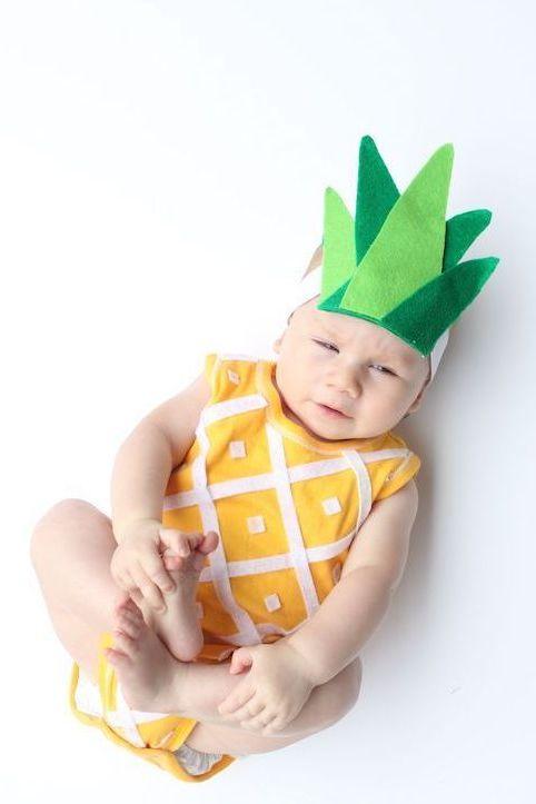 """Günstige Halloween Kostüme für die Kleinsten: """"Sei wie eine Ananas steh aufrecht, trage eine Krone und sei von Innen zuckersüß!"""""""