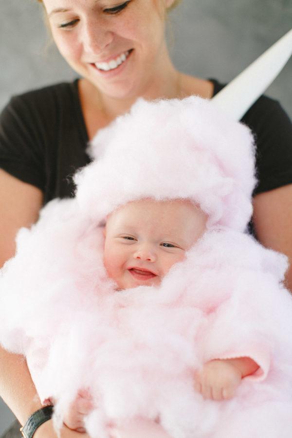 Halloween Kostüm Ideen für Neugeborenes - ein flauschiges Einhorn