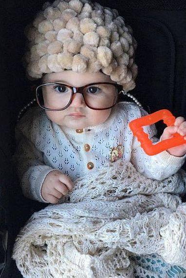 Halloween Kostüm Ideen: Oma Look fürs Baby