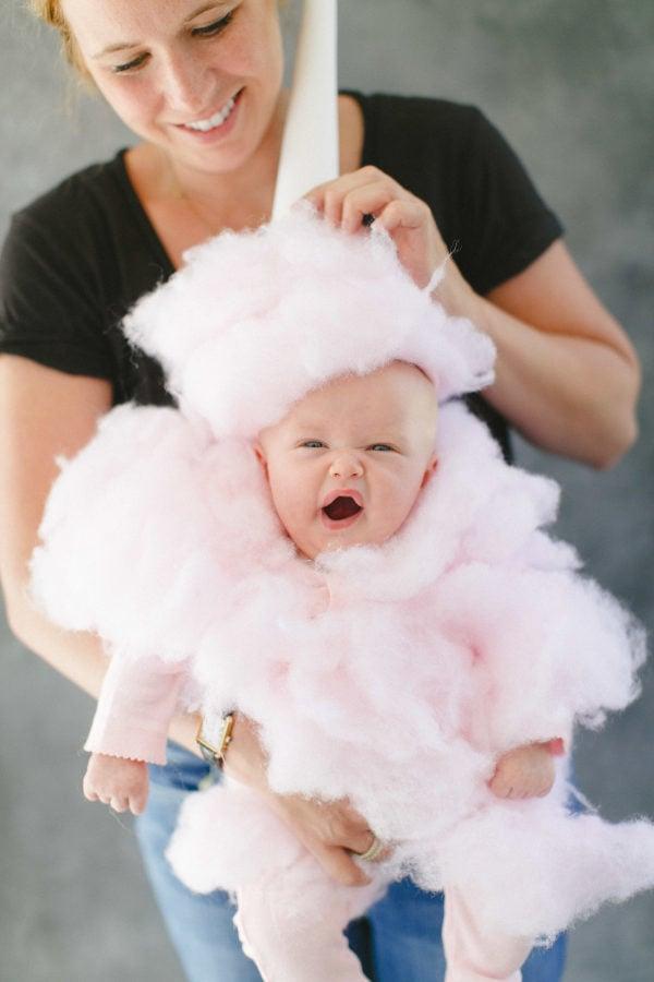Flauschig, rosafarbig und super süß - wer kann diesem kleinen Bonbon standhalten?