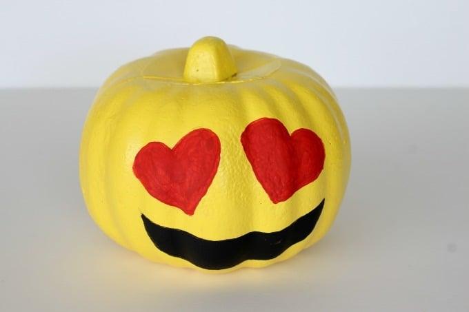 Emoji Halloween Kürbis Gesicht malen