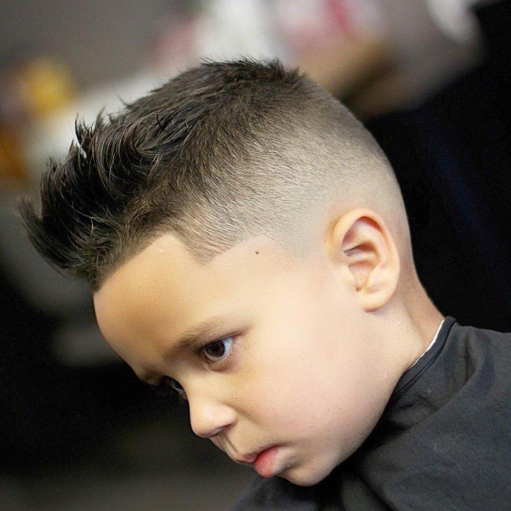 Moderne Frisuren kleine Jungs