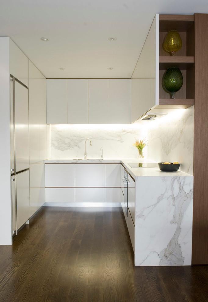U förmige Küche in Weiß