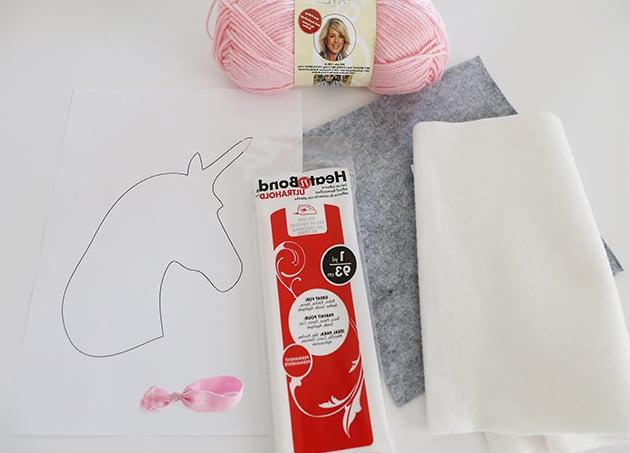 DIY Quiet Book für Kinder mit Einhorn selber gestalten