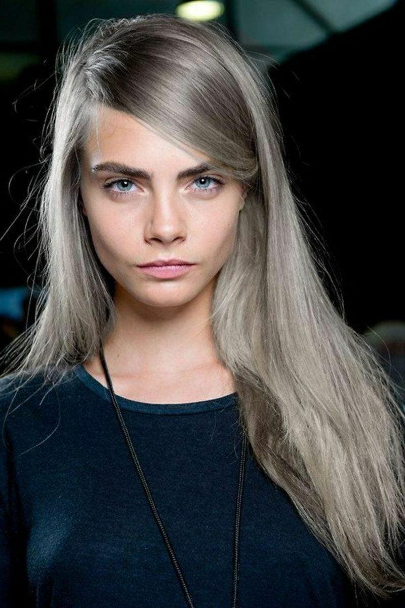 Haarfarbe Silberblond graue Note Cara Delevigne