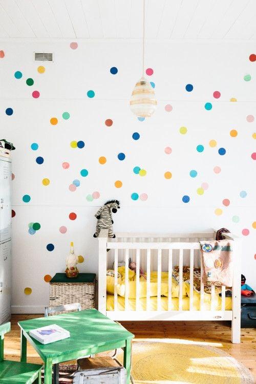 Wohnzimmer Wandgestaltung Ideen mit Polka Dot - DIY Anleitung