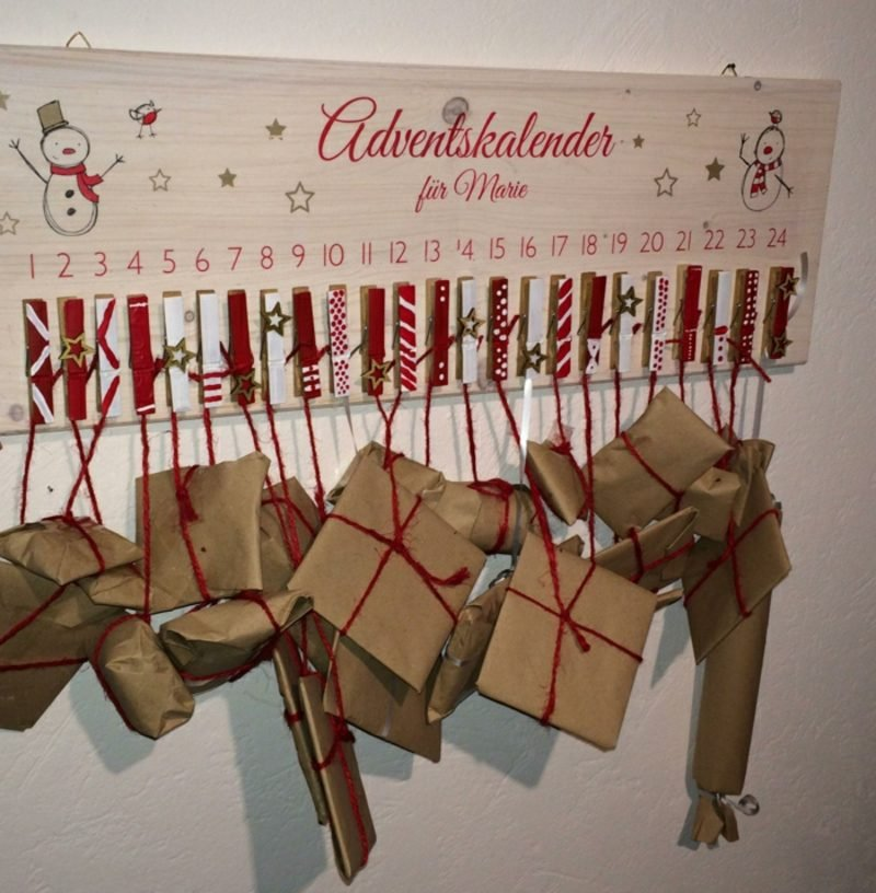 Originelle Adventskalender selber machen Holzbrett Wäscheklammer Geschenke