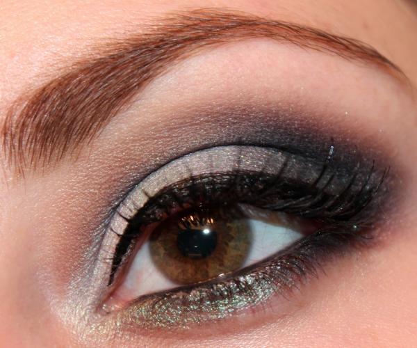 braune Augen schminken Smokey Effekt graue Lidschatten