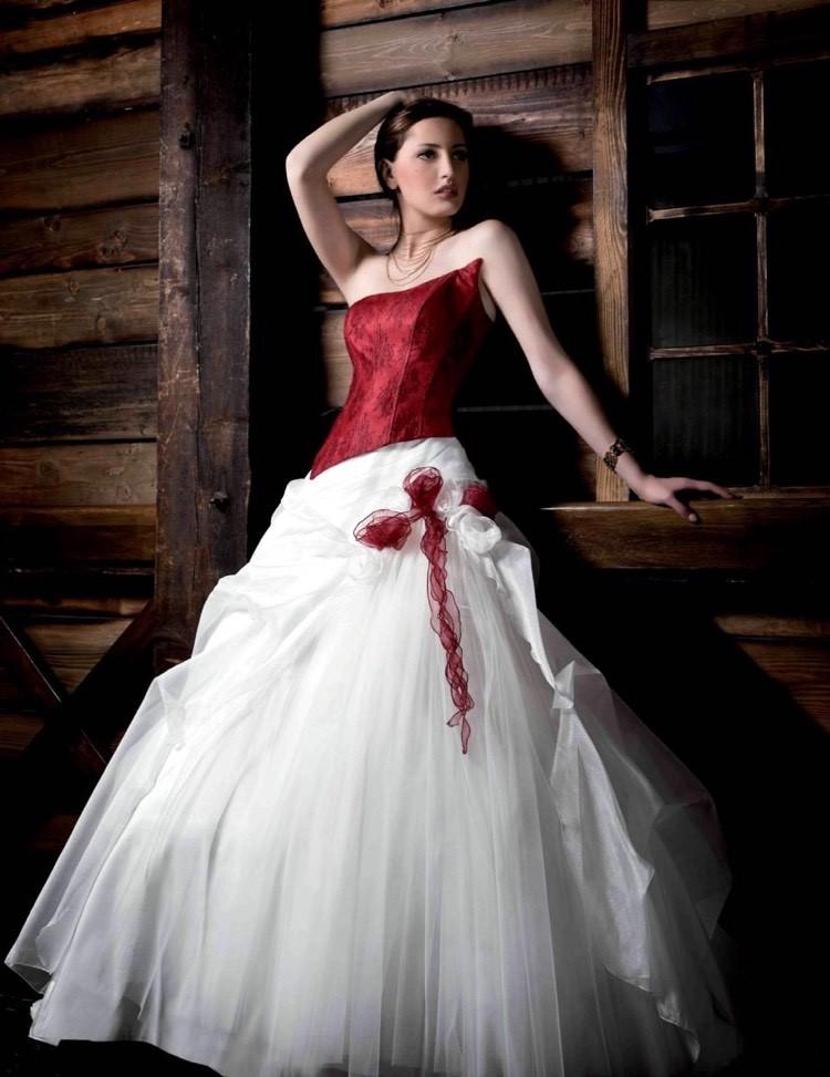 rote Brautkleider Coursage weißer Rock