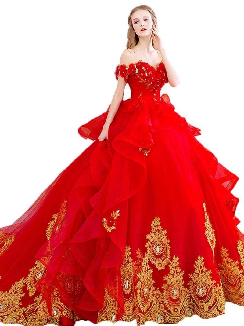 rote Brautkleider prachtvolle Dekorationen in Golden