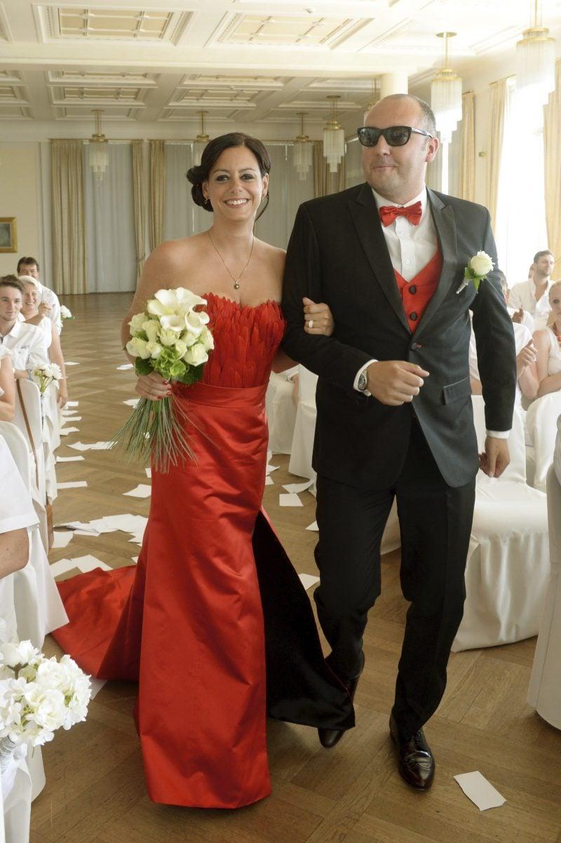 rote Brautkleider elegantes Modell in Purpurrot
