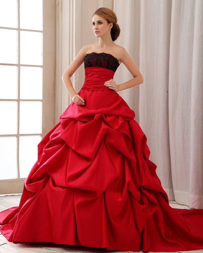 rote Brautkleider schwarze Verzierungen Oberteil